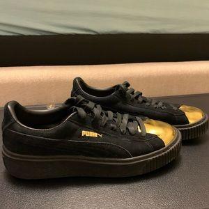 Puma women's sneaker size 8